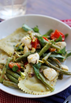 Roasted string bean ravioli salad