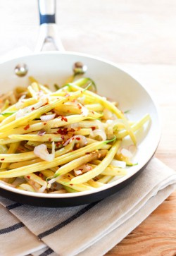 Spicy Yellow Beans with Lemon and Shallots Recipe
