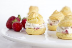 Strawberry choux pastry