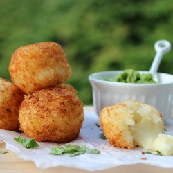 Yuca Balls Stuffed with Cheese