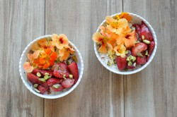 Muesli with Roasted Strawberries