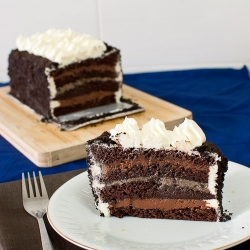 Oreos and Chocolate Mousse Cake