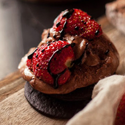 Roasted Strawberry Smores Recipe