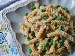 Rotini with Peas and Cheese Recipe