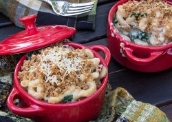 Tuscan Kale and Bacon Mac and Cheese Recipe