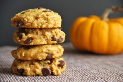 Vegan Chocolate Chip Pumpkin Oatmeal Cookies Recipe