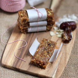 Coconut Almond and Date Granola Bars Recipe