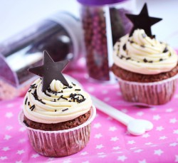Cupcakes w/ milky frosting