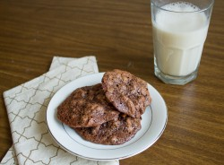 Gluten-free chocolate walnut cookie