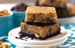 Oreo Crusted Walnut Banana Blondies Recipe