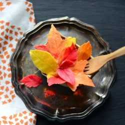 Pumpkin Cake and White Chocolate Leaf bundles Recipe