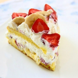 Strawberry Banana Sponge Cake Recipe