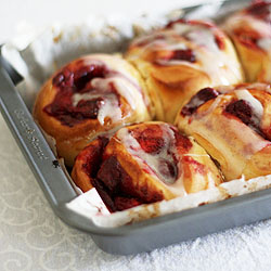 Strawberry vanilla rolls