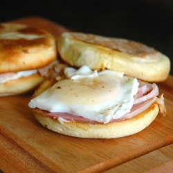 Muffins with Ham and Egg