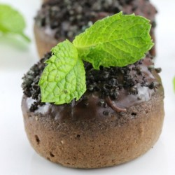 Baked Chocolate Mint Donuts