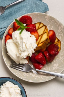 Balsamic Macerated Strawberries with Pound Cake Recipe