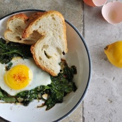Skillet Eggs with Spinach