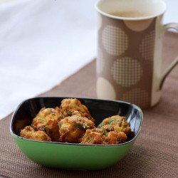 Sweet Corn and Amaranth Leaves Pakora Recipe