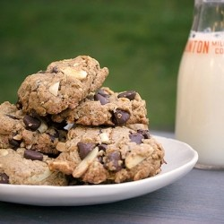 Almond and Peanut Butter Chocolate Chip Cookies Recipe