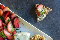 Blue Cheese and Plum Crispbread Recipe