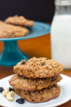 Blueberry Cashew Oatmeal Cookies