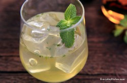 honey mint whiskey mojito