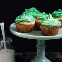 Irish Vanilla Cupcakes with Baileys