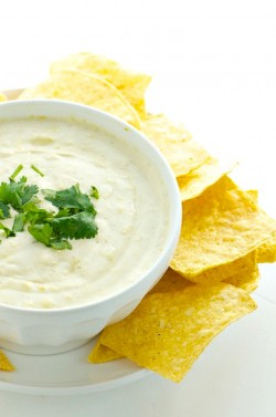 10 Minute Vegan Queso Dip