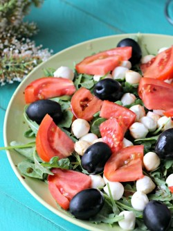 Mozzarella and Arugula Salad