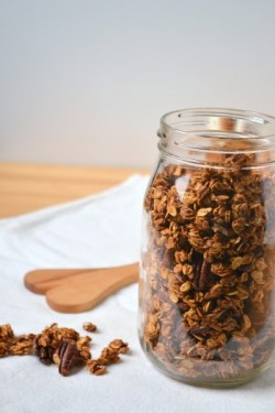 Pumpkin Granola in Yogurt Parfaits