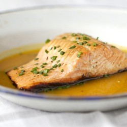 Salmon Fillets with Sweet Mango Juice