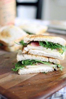 Apple, Prosciutto, Arugula Sandwich