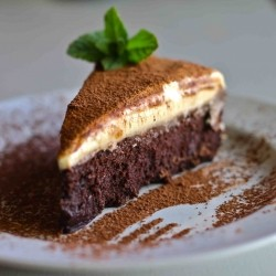 Flourless Chocolate Fudge Cake with White Chocolate Mousse