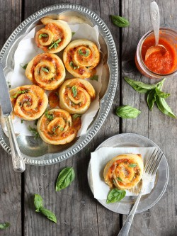 Margherita Pizza Wheels Recipe