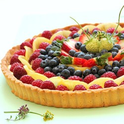 Summer Berries Tart and Golden Kiwi