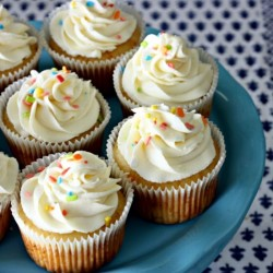 The Perfect White Vanilla Cupcakes