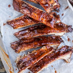 Dry-Rubbed Ribs with BBQ Sauce