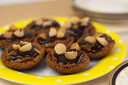 Little Caramel Tarts with Chocolate