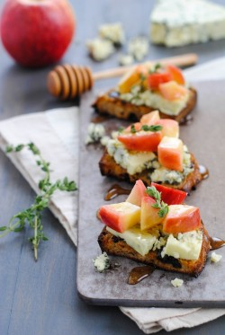 Raisin Crostini with Blue Cheese