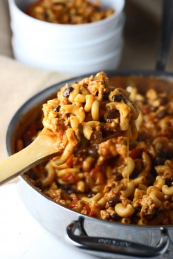 Skinny one pot chili mac