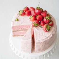 Strawberry Banana Milkshake Cake Recipe