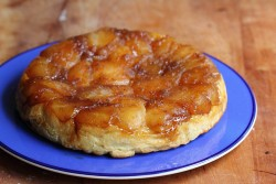 Tarte tatin with Danish pastry
