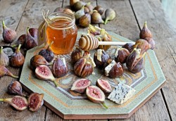 Figs with Blue Cheese