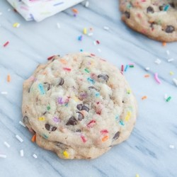 Funfetti and Chocolate Chip Cake Batter Cookies Recipe
