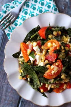 Golden corn salad with tomatoes