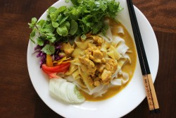 Rice Noodle with Thai Yellow Curry