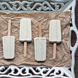 Skinny Vanilla Bean Cheesecake Popsicles Recipe