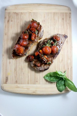 Steak with Balsamic Cherry Tomatoes