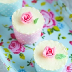 White Chocolate Cupcakes with Rose