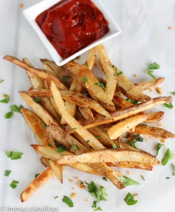 Baked Crispy Garlic Potato Fries